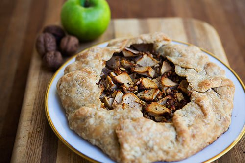 Apple Walnut Gorgonzola Rustic Tart (0020)