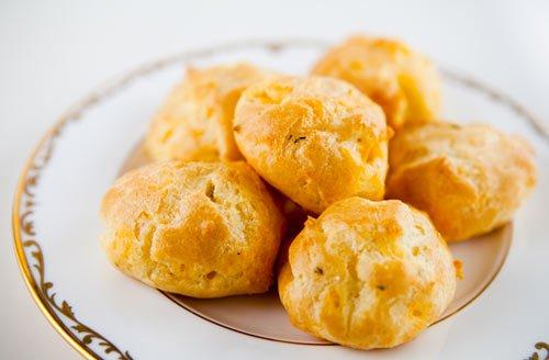 Cheddar Cheese Puffs (0024)