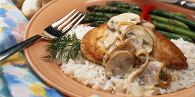 Quick And Lean Chicken Mushroom Stroganoff (0046)