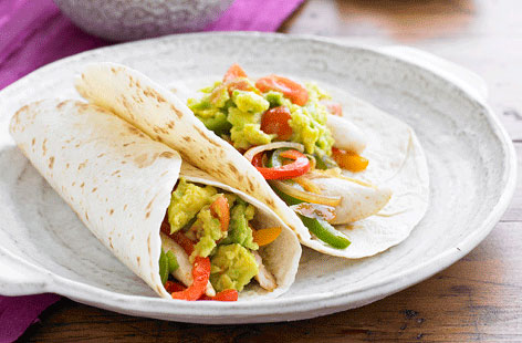Chicken fajitas with guacamole recipe (0079)