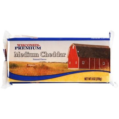 Wisconsin Premium Medium Cheddar 226g
