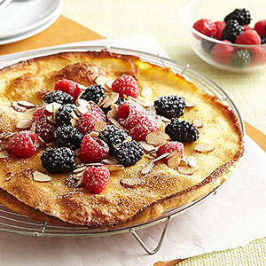 Easy Berry Puff Pancake (0063)