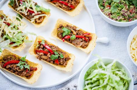 Matthew Tomkinson's spicy veggie tacos with guacamole recipe (0080)